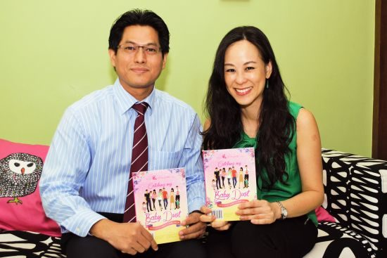 Dr Helena Lim with Dr Agilan Arjunan. Image from http://thotsntots.com/infertility-stories-provide-hope-to-couples/